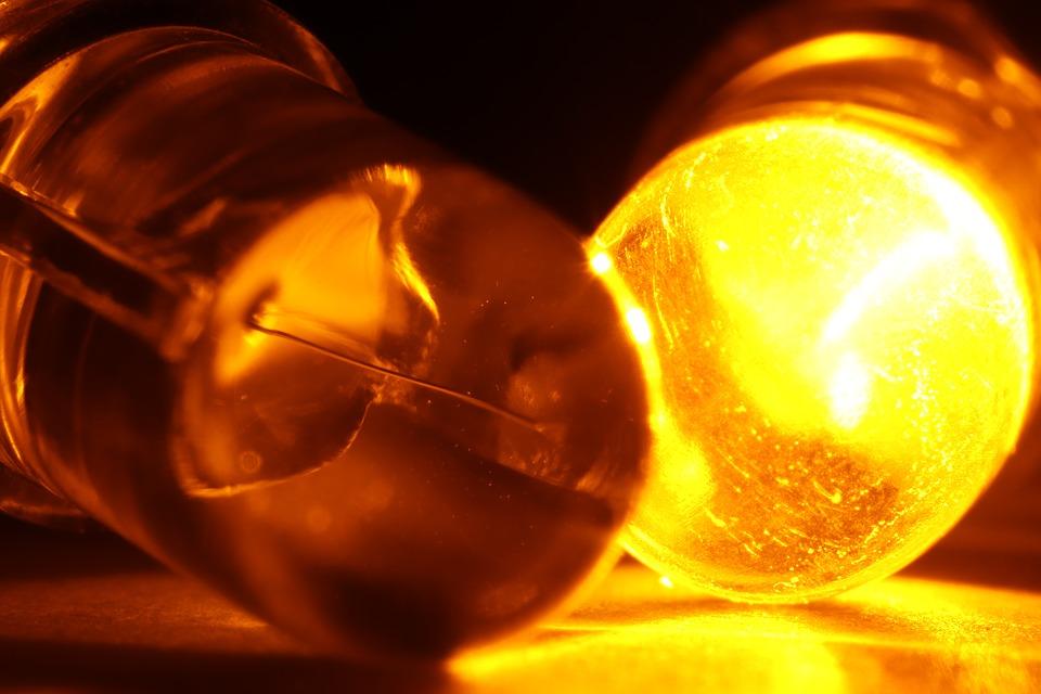 LED svetlá sú nadradené vďaka diódam, ktoré emitujú svetlo