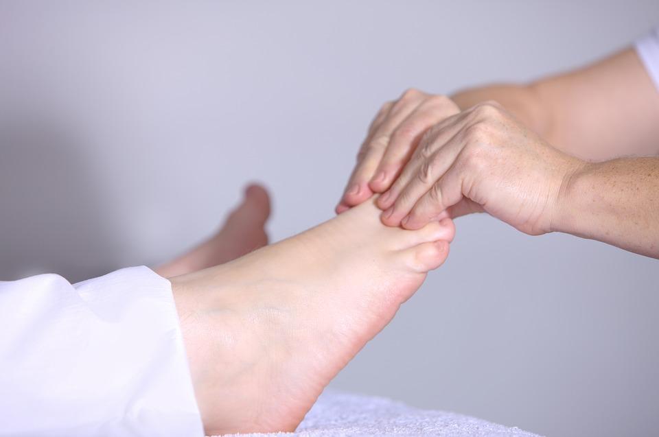 nohy, masáž